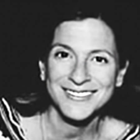 Suzanne Passalacqua headshot